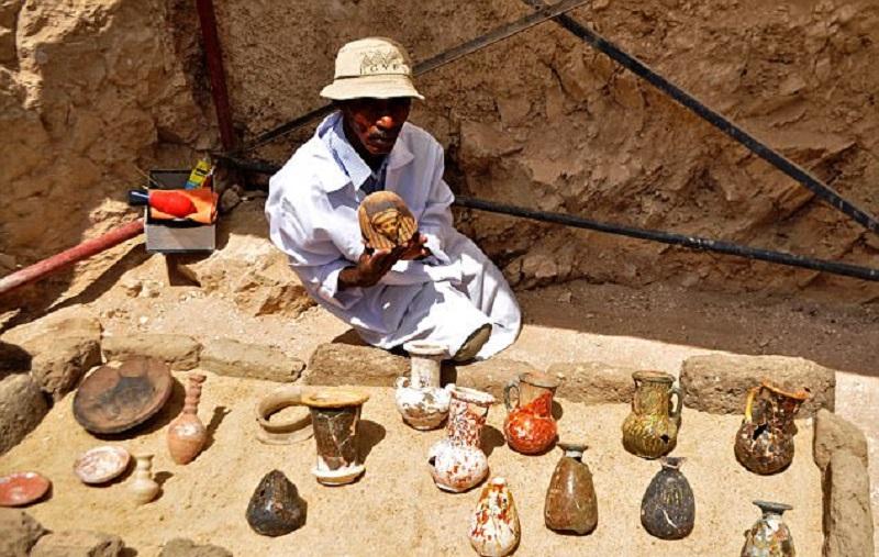 Археологи не ожидали, что найдут ЭТО в 3 500-летней гробнице древнего города.