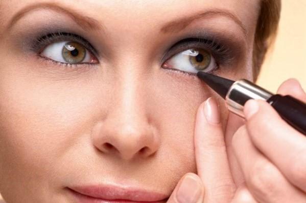 Что такое кайал для глаз: 5 эффектных способов его применения