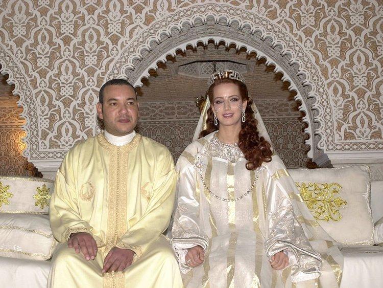 20 снимков о том, как выглядят королевские свадебные платья в разных странах мира