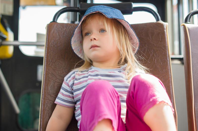 Кто должен отвечать за ребенка в общественном транспорте?