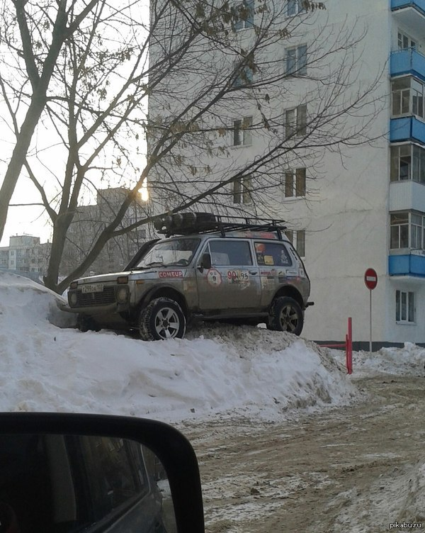 Тачка позволяет - паркуюсь где хочу