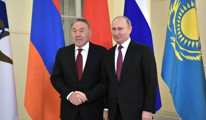Ушедший в отставку Назарбаев…