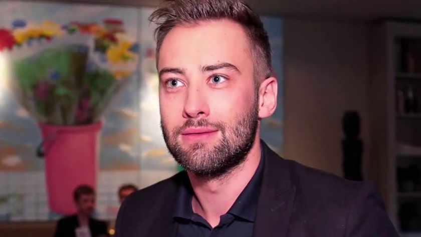 Дмитрий Шепелев впервые показал роскошную квартиру, где живет с сыном