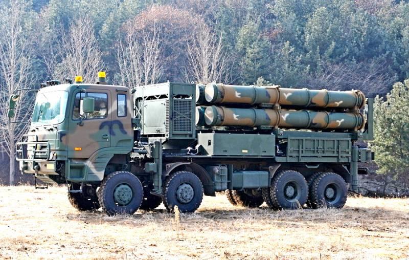 """ЗРК С-350 """"Витязь"""" в действии: в Южной Корее показали новую систему ПВО"""