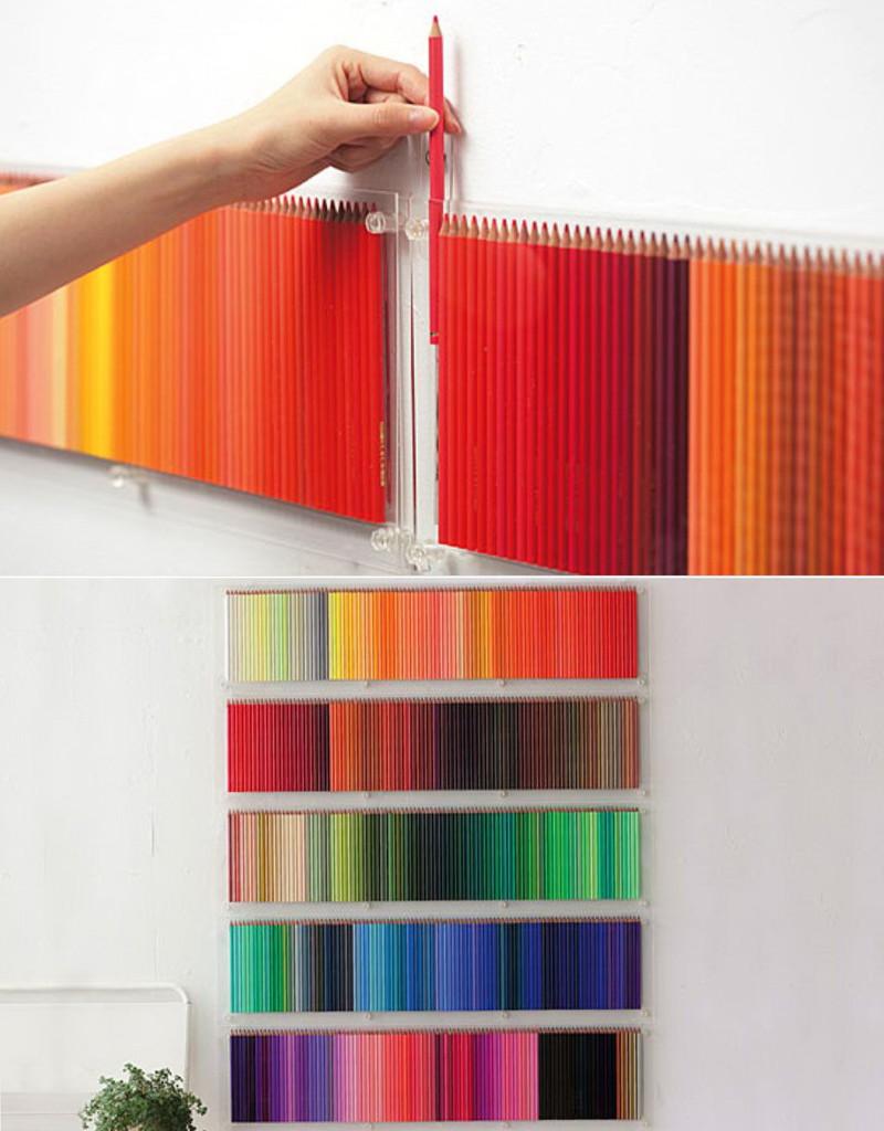 Декор стены цветными карандашами