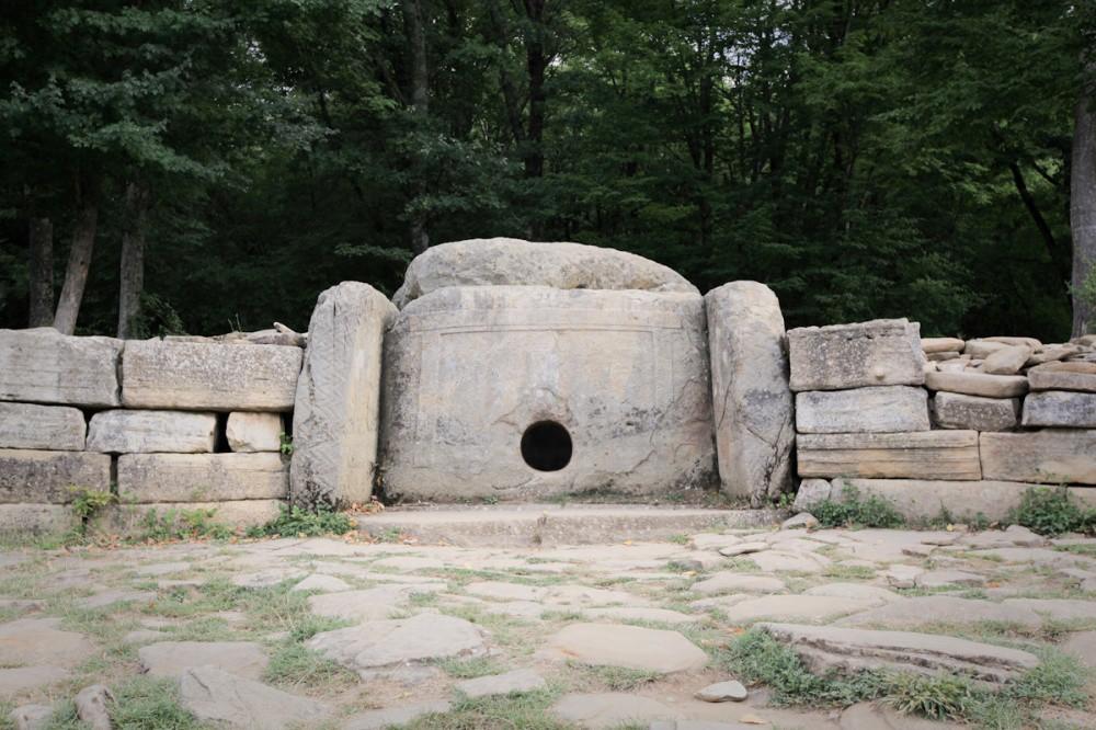 10 древнейших сооружений в России. Предки строили чудеса!
