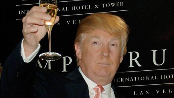 Трамп поздравил с Новым Годом своих «многочисленных» врагов