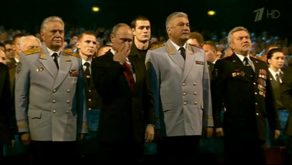 Иностранцы: «Путин заплакал... Как же все - таки Россия отличается искренностью от западных держав...»
