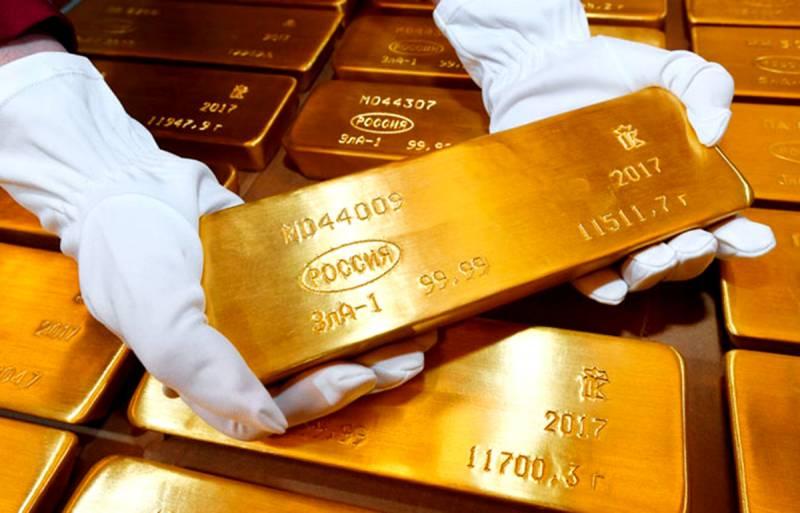 Россия сокращает экспорт золота, оставляя его себе