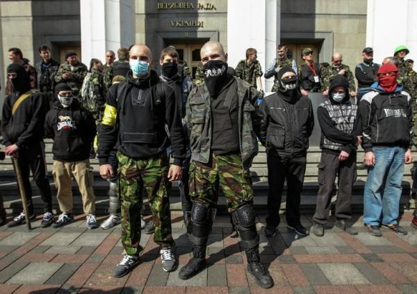 За Донбасс ответите. Украинцы устроили охоту на «АТОшников»