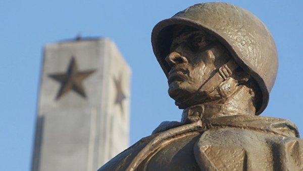 Россия нанесет точечный удар по Польше за снесенные памятники
