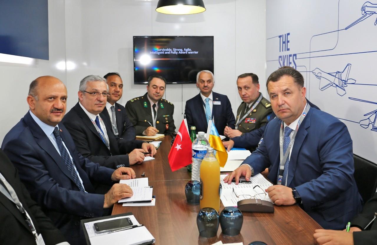 Турция лечит сотни украинских военных в Анталье — Полторак