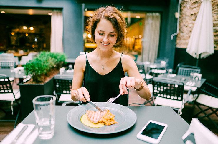 Иди поужинай! 4 опасности для здоровья из-за недоедания
