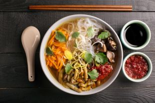 Немного имбиря и перчик чили. 6 рецептов согревающих китайских супов