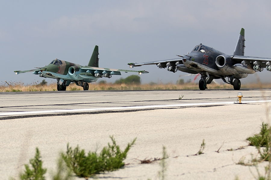 Российская авиация прямым ударом взорвала рекрутинговый лагерь «Аль-Каиды»