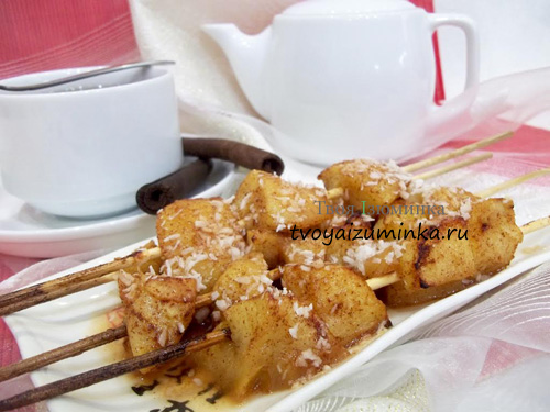 Фруктовый шашлык из яблок на шпажках в духовке: простой, вкусный и полезный десерт