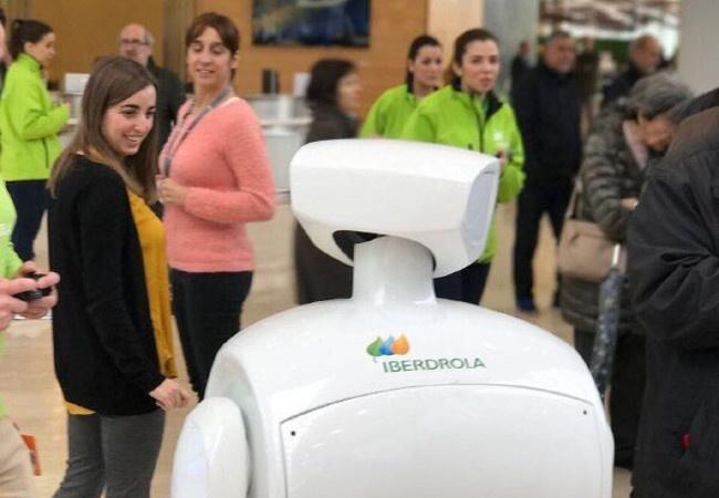 Роботы Promobot впервые появились в Испании