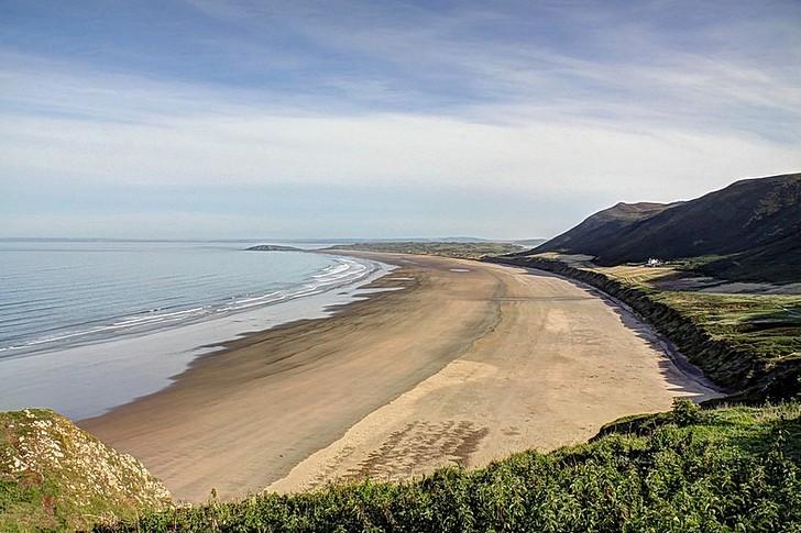 Залив и пляж Россили
