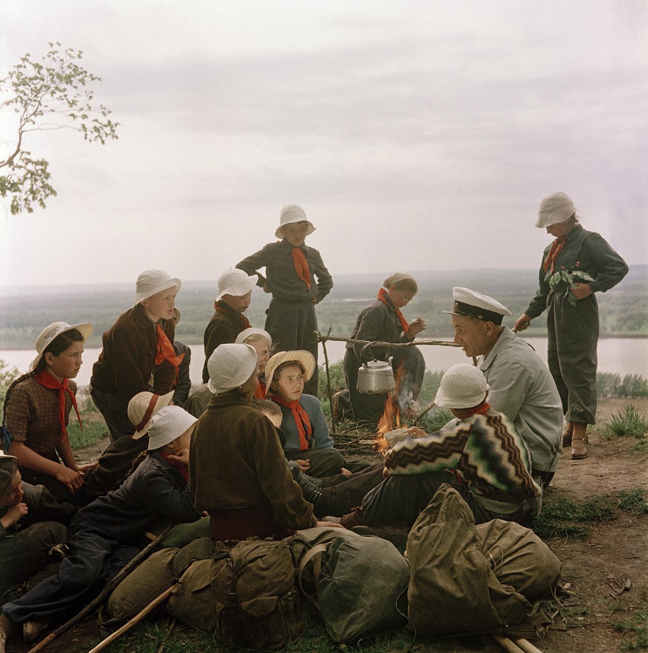 Поход с вожатым по местам боевой славы. исторические фотографии, история, фото