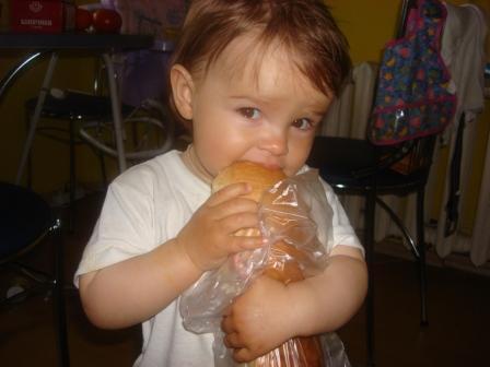 """Кто виноват, что ребёнок голодный? Российское правительство или сам - """"олухцарянебесного""""?"""