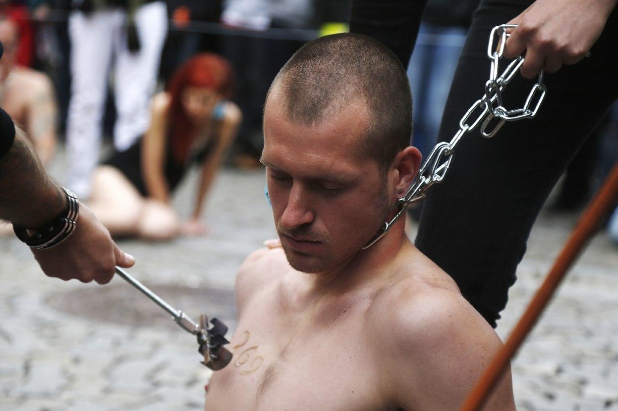 рабыни с надписями на теле фото № 722793  скачать