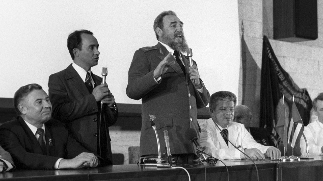 Пушков о кончине Фиделя Кастро: Мир будет помнить о нём
