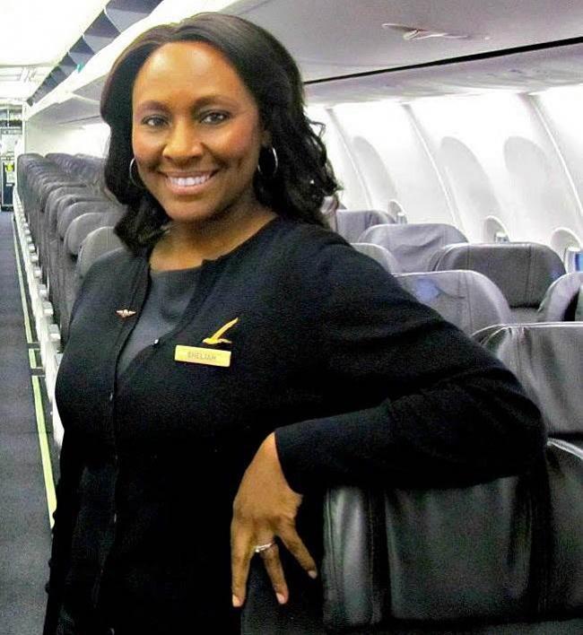 Эта стюардесса спасла жизнь незнакомой девочке