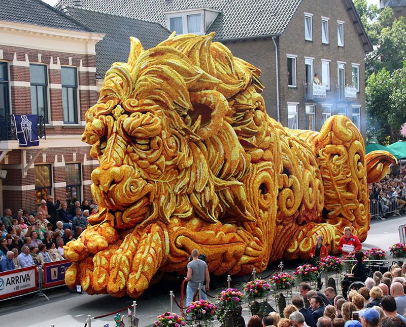 Невероятное зрелище! В Голландии прошел парад гигантских цветочных скульптур голландия, конкурс, красота, парад, цветы