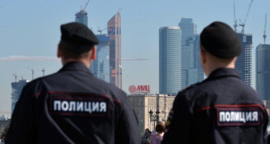 В Москве избили и утопили ма…