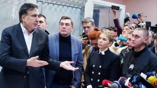 Саакашвили на свободе. Чем это грозит президенту и его окружению