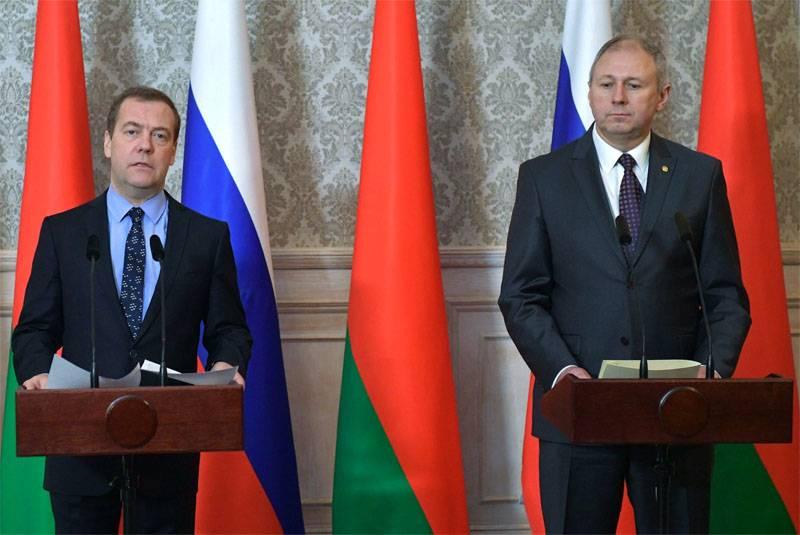 Медведев жёстко ответил властям Белоруссии