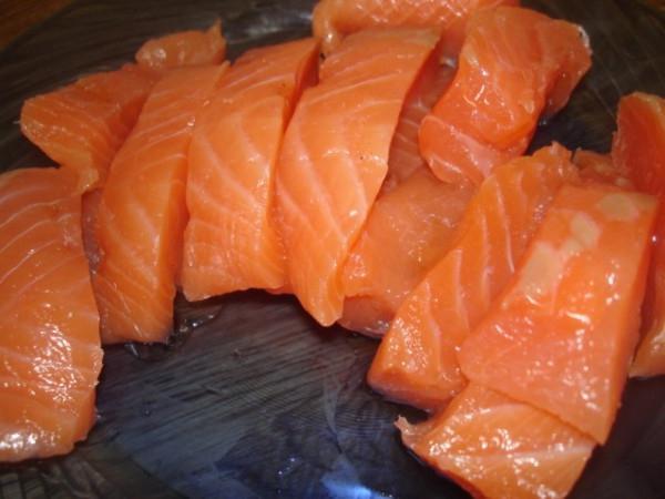Солёная, красная рыба из морозилки