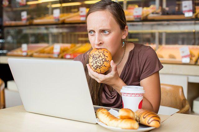 Как обуздать аппетит во время стресса