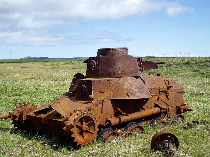Ржавый японский танк «Чи-ха» на острове Шумшу. | Фото: istorya.ru.