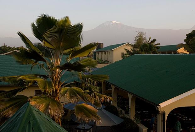 Город Моши, в который прибывают все покорители Килиманджаро, поднимающиеся на гору со стороны Танзании