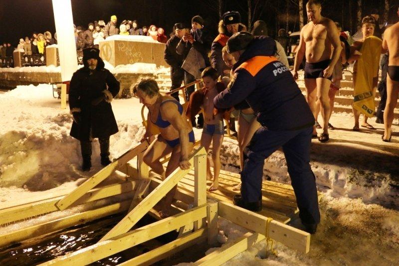 Более 2,4 миллиона россиян участвовали в праздновании Крещения