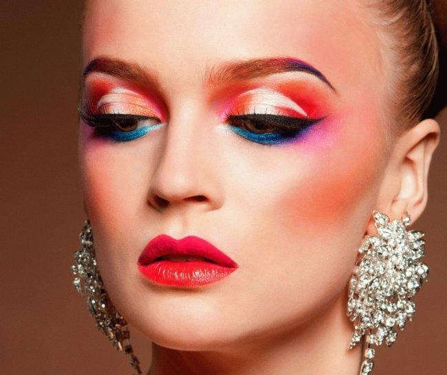 Любопытные факты о макияже.