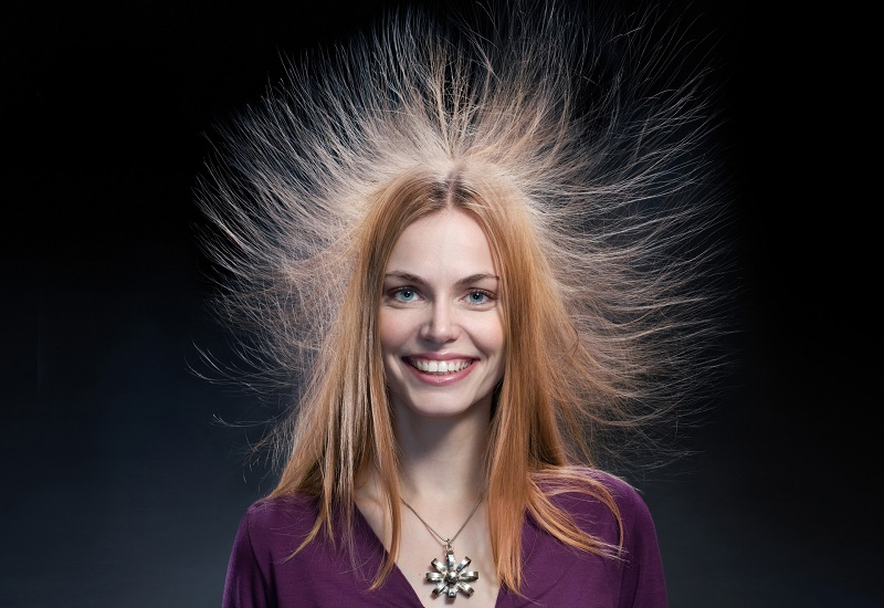 Благодаря этому супертрюку волосы не электризуются! Прическа зимой — идеальна…