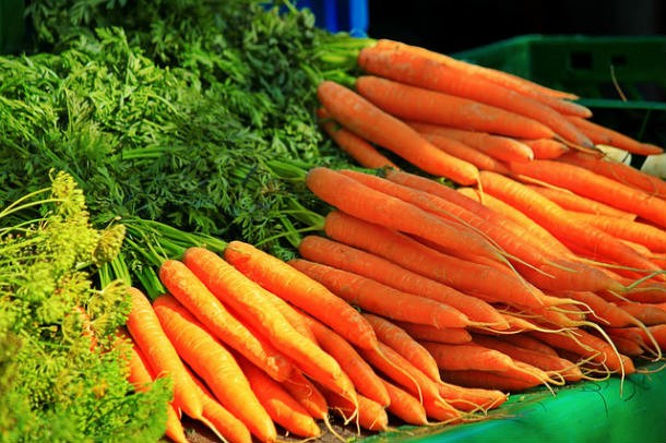 carrots-874981_640-610x406