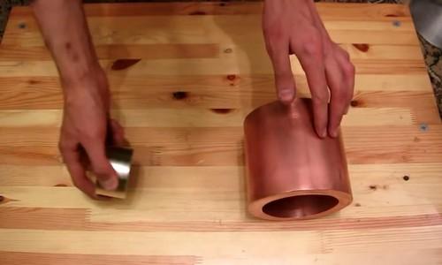 Что произойдет если бросить магнит в медную трубу? Жаль, что на уроках физики такого не показывают