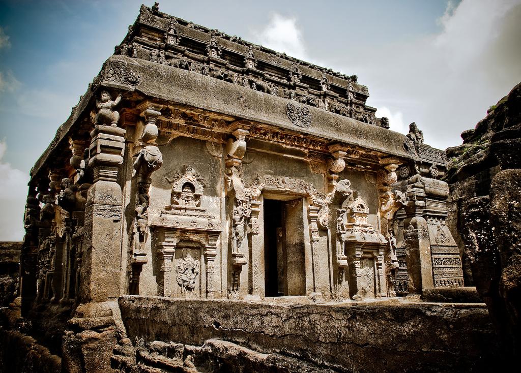 1005152714 dc04b76787 b Уникальный храм Кайласанатха