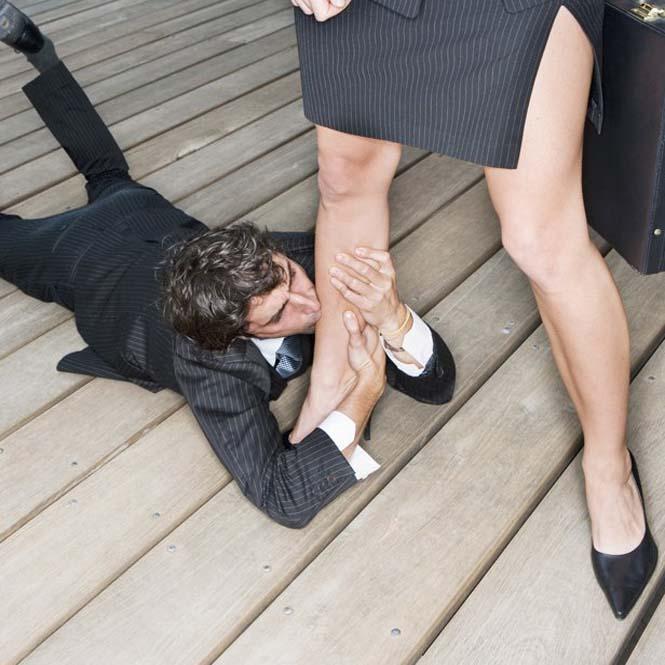 вылизывать ноги девушкам-мю2