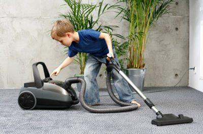 Как приучить ребенка к домашнему труду