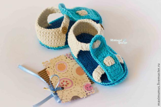 Стильные пинетки-сандалики для малыша