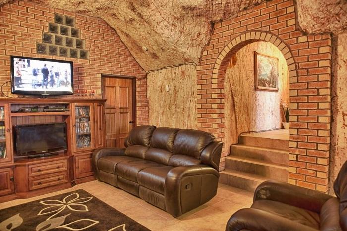Частичная отделка интерьера подземного дома (Кубер-Педи, Австралия). | Фото: idoorway.mirtesen.ru.