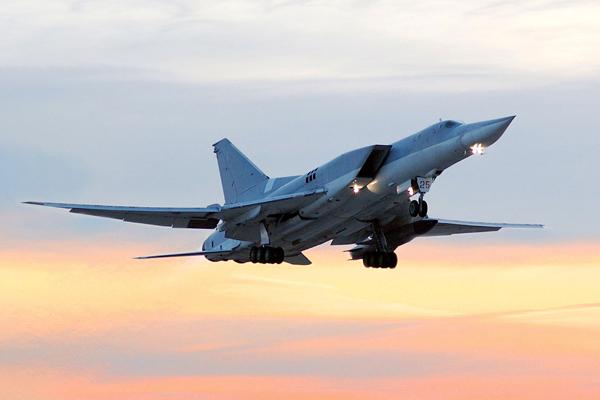 Министерство обороны опубликовало видео ударов ВКС РФ по террористам ИГ в Сирии