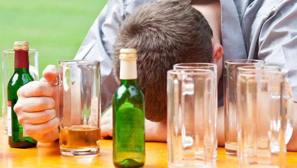 Алкогольное опьянение и обстоятельства пространство комнаты