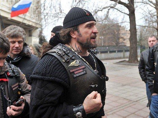 «Своим появлением подарил надежду»:  На Гайдаровском форуме байкер Хирург рассказал, как вез «русскую весну» в Севастополь