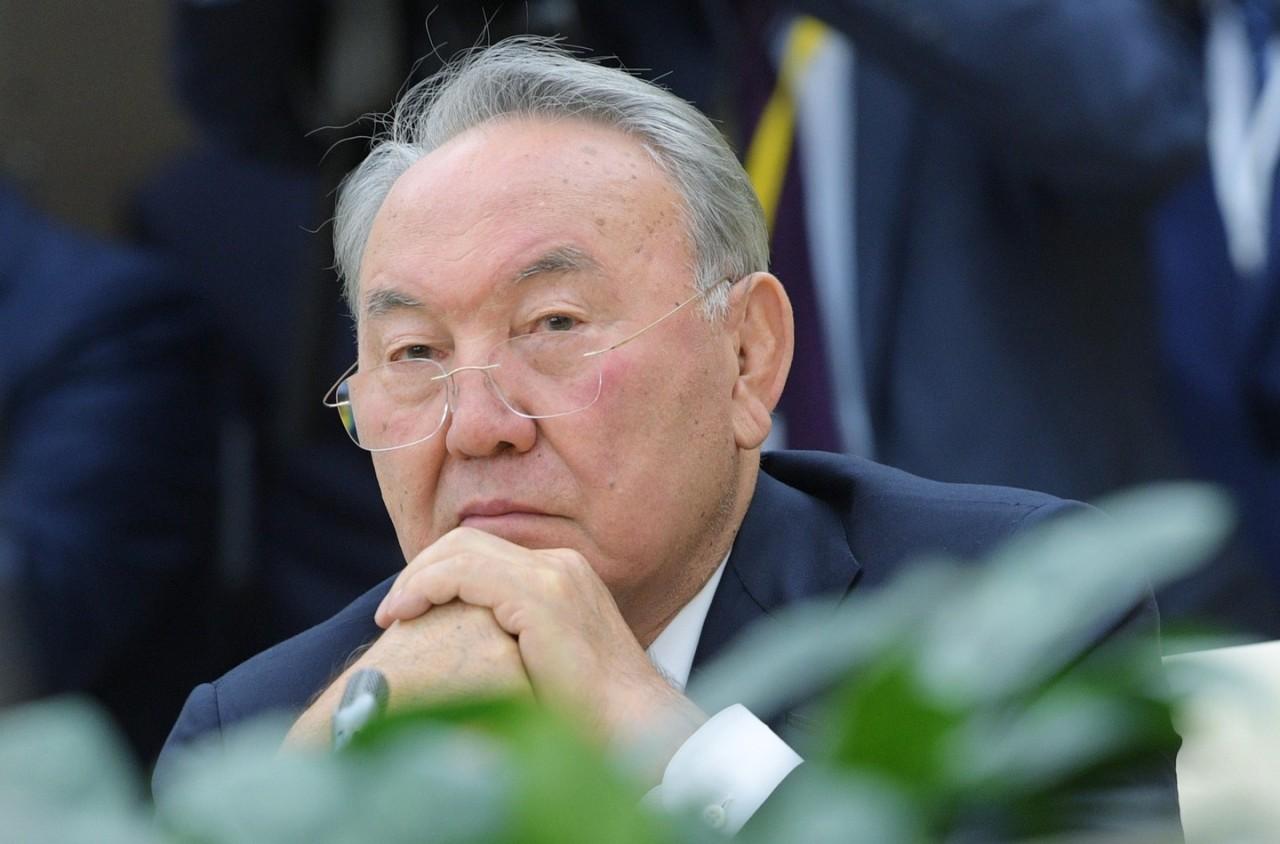 Назарбаев утвердил новый каз…