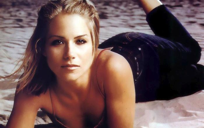 Самые привлекательные и сексуальные актрисы 90-х, которые сводили с ума миллион мужчин по всему миру